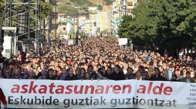 Almost 40,000 Basques protest against the arrest of the Batasuna leadership in San Sebastian