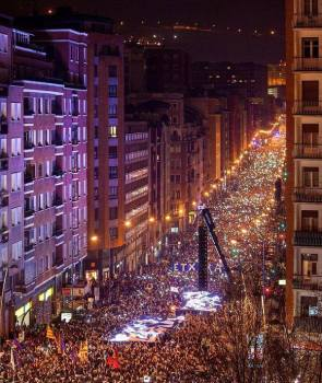 80,000 march in Bilbao in Sare rally for prisoners' rights in January 2015