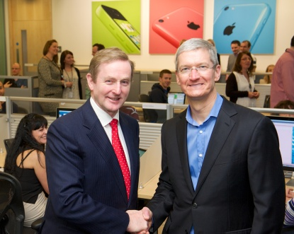 Tim-Cook-Enda-Kenny.jpeg