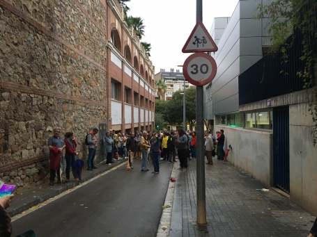 Approaching the first school at Sant Gervasi