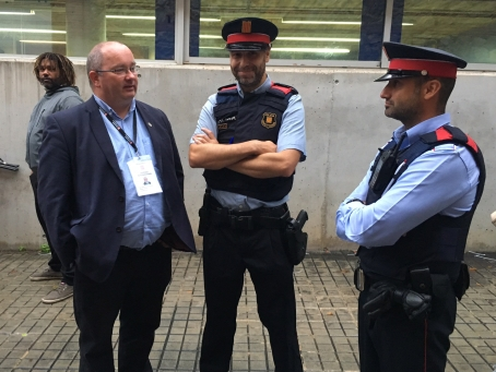 mossos-talking-to-trevor.jpg